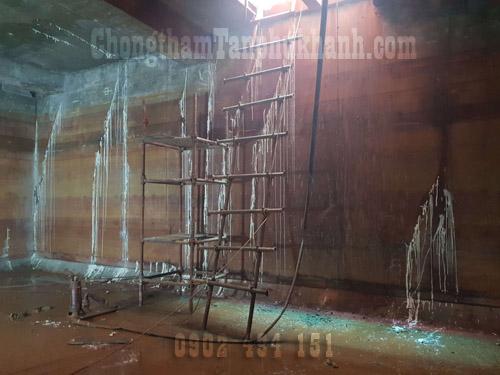 chống thấm vách hồ nước ngầm